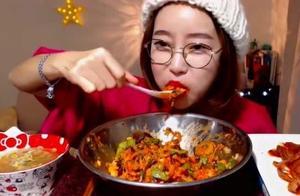 韩网曝吃播博主收入,排名前五的月收入均超100万,第一名1659万