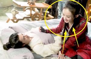 赵丽颖给王一博画眼睛,当镜头放大到脸部时,这画功我没看错?