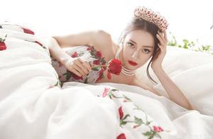 迪丽热巴的化妆师上热搜,玫瑰公主造型像是童话里走出来的