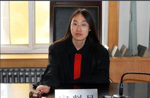 哈尔滨一老法官在单位遇害,嫌犯不服离婚判决持刀行凶,事发法庭无安检