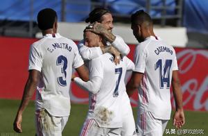 疯狂4-1!本泽马完爆梅西,西甲冠军登顶,巴萨已退出争冠行列
