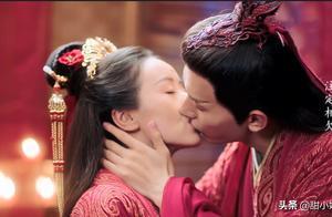 那些让你小鹿乱撞的镜头:成年人的吻戏,就是这么自然而直接