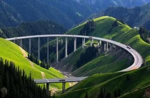 """一特殊大桥,长4.4公里每公里价值5.4亿,被誉""""伊犁第一"""""""