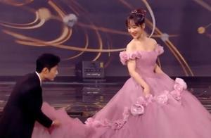 微博夜:肖战第1次没提到杨紫裙摆搓小手,第2次太甜,李现猛盯