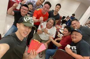 41岁吴尊参加聚会,身材健硕好帅气,同学却成油腻大叔像2代人