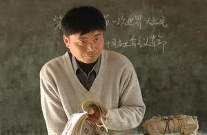 一个坏消息,中小学教师首次进入缺工职业排行榜,原因为何?