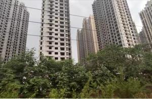 当年在河南都出名的楼盘,今天已经成了郑州最大的烂尾楼