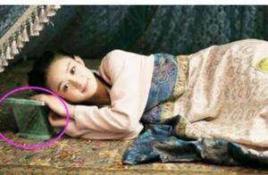为何古代人爱用瓷枕,不怕睡觉硌着吗?原来是为了方便女子