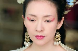 42岁章子怡演少女,表情娇俏毫无违和感,网友:化妆师太牛了