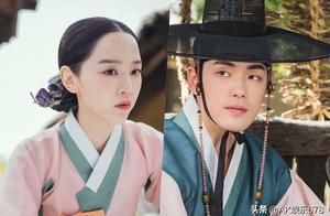 申惠善和金正贤在《哲仁王后》剧中享受宫外约会的乐趣