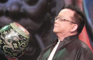王刚回应误砸2亿古董传闻!官司打了三年,砸宝节目被停播