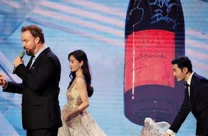 10年过去了,李菲儿终于赢了杨颖一次