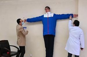 中国四川14岁男孩 破吉尼斯世界纪录 成为世界最高少年