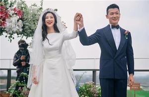 朱珠晒婚礼现场照,手挽老公笑靥如花,婚礼低调却难掩幸福甜蜜