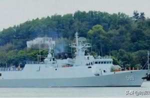 南海海域,中国进行实弹演习,清远护卫舰鱼雷实射效果极佳