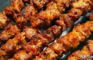 烤羊肉串:学会这个方法,比烧烤摊的更香更解馋,一点不油腻