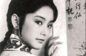 金莎表白林青霞遭拒绝,恋爱触礁后,意外给偶像科普粉圈话术