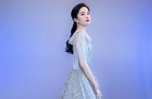刘亦菲的气质就是高级!打扮巧用配饰搭配,公主气质立马就出来了