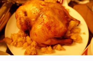 想吃烤鸡不用买,教你在家制作配料超丰富,香喷喷的圣诞烤鸡
