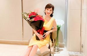 赵雅芝66岁生日照曝光,四肢纤细身材火辣,和叶童相比好太多
