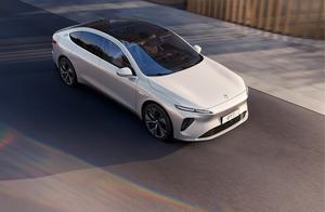 蔚来开了场未来的发布会?首款轿车eT7发布 贵!