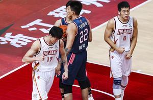 强强对话!吴前空砍33分,广东133-125送浙江队赛季首败