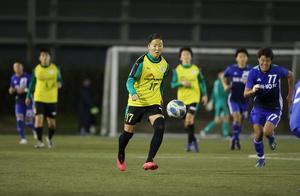 日本女足33岁前国脚完成男足首秀!参与全队第3球