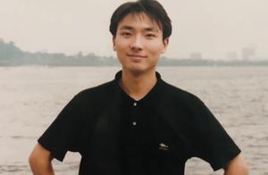 """央视boys年轻帅照曝光,朱广权帅过小鲜肉,撒贝宁却""""作弊"""""""