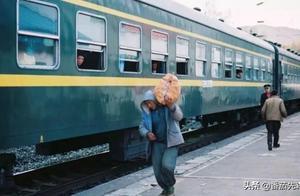 绿皮车应该全列禁烟吗?你遇到过全列禁烟的普通列车吗?