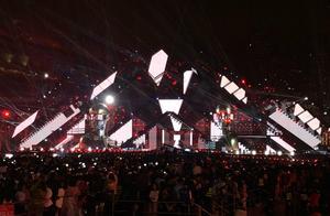 湖南卫视跨年演唱会开票,近三千元门票,竟然是粉丝型站票