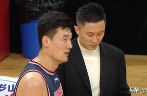 广东老将疯狂的一夜!27分10篮板大号两双,杜峰找到阿联替身