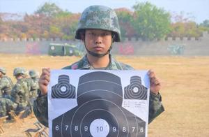 新兵首次打靶,5发子弹4个弹孔命中50环!