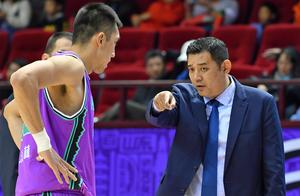 山东男篮集结训练5人缺席,常规赛末段强敌过半,容错率极低