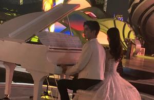 金鸡奖开幕式,陈都灵于朦胧共弹钢琴似吉祥物,李光洁刘宇宁帅气