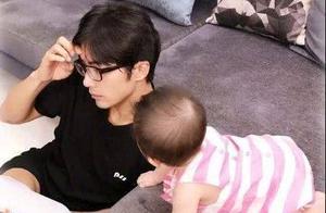 有种复制粘贴叫贺军翔的女儿,正面照一曝光:真的是像极了妈妈