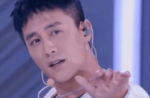 杨幂看杜淳脱衣服跳舞的表情亮了,真是太可爱了