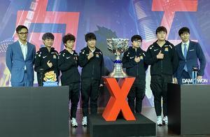 英雄联盟S10总决赛韩国夺冠,中国选手帮韩国选手点外卖