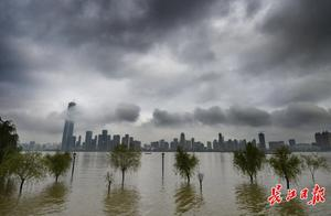 """武汉未来两天继续与暴雨""""作伴"""",局部还有雷暴大风"""