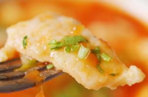 番茄巴沙鱼片,又香又嫩,酸甜可口,太下饭了
