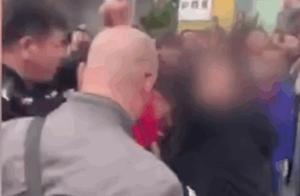 最强技术!民警背摔+叠罗汉制服两名醉汉,群众大声叫好
