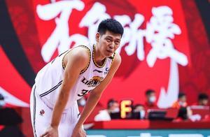 13+3+1!朱荣振出场时间创新高,表现完胜山东男篮顶薪球员