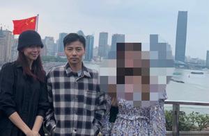 蔡少芬陈浩民两家出游,张晋忙给小儿子拍照,却遭扭头不理好心酸