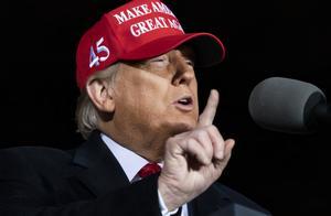 """美媒:特朗普不会轻易""""屈服""""将寻求更多州重新计票"""