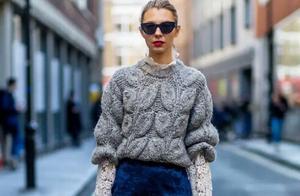 冬季最爱的一种穿搭,毛衣+半身裙,穿上温柔显气质,腿粗也不怕