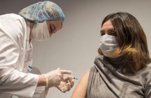 """WHO总干事:新冠疫苗接种不公平是""""灾难性道德失灵"""""""