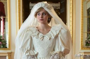 《王冠》第四季新剧照公开:英国黛安娜王妃「绝美婚纱」重现