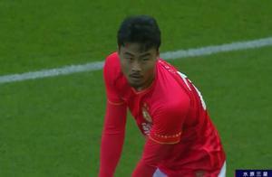 """恒大有""""内鬼""""?韩国外援失误,险些0-1,张琳芃被踢出血离场"""