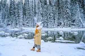 冬日的喀纳斯湖,虽然没有水怪,但网友看后都惊呼美哭了