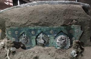意大利庞贝古城遗址首次出土古代花车,保存完好装饰华丽,或用于接新娘出嫁丨潇湘晨报世界观
