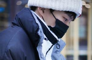 范丞丞《左肩有你》这组雪中饭拍好有感觉,有种韩剧男主的赶脚